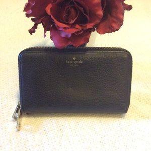 Kate Spade Zippy Wallet